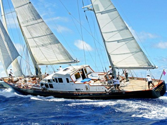 S/Y BLUE LEOPARD naval architecture by Laurent Giles Naval Architects  Ltd